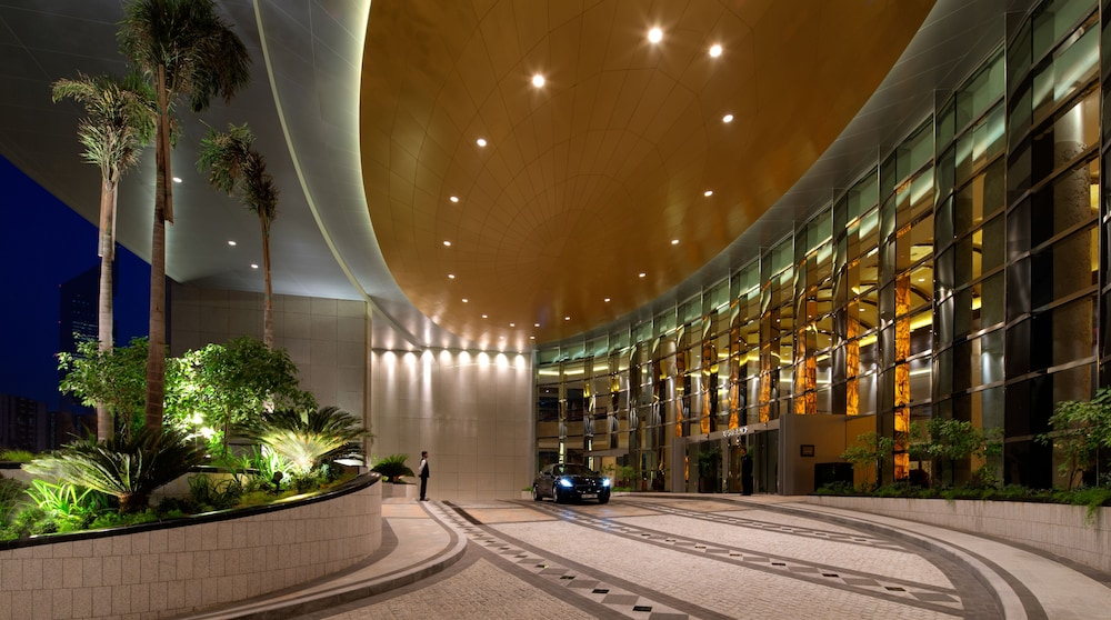 Parking, Conrad Dubai