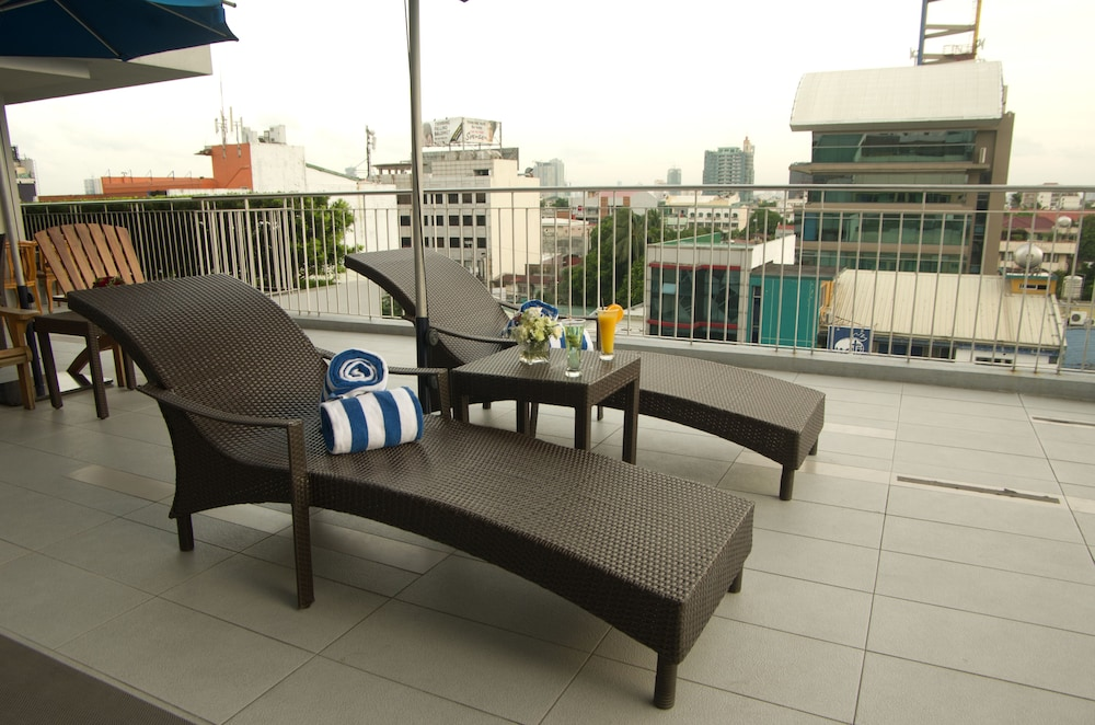 Microtel by Wyndham - Acropolis in Libis, Quezon City
