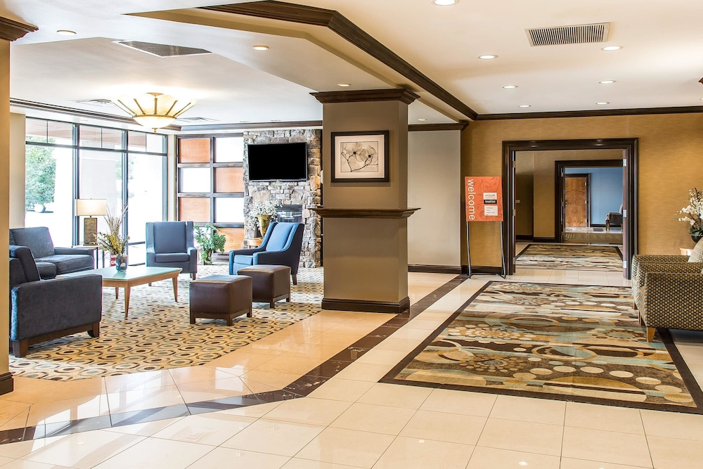 Featured Image, Comfort Inn & Suites