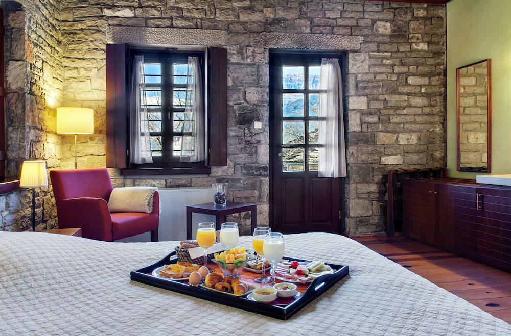 Room Service - Dining, Aristi Mountain Resort and Villas