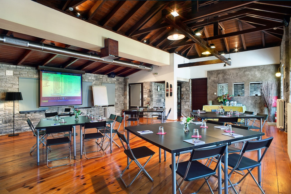 Meeting Facility, Aristi Mountain Resort and Villas