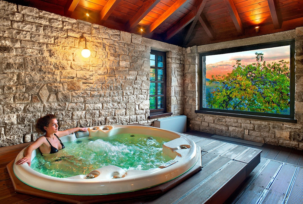 Indoor Spa Tub, Aristi Mountain Resort and Villas