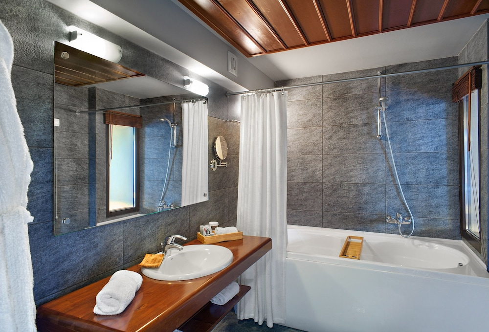 Bathroom, Aristi Mountain Resort and Villas