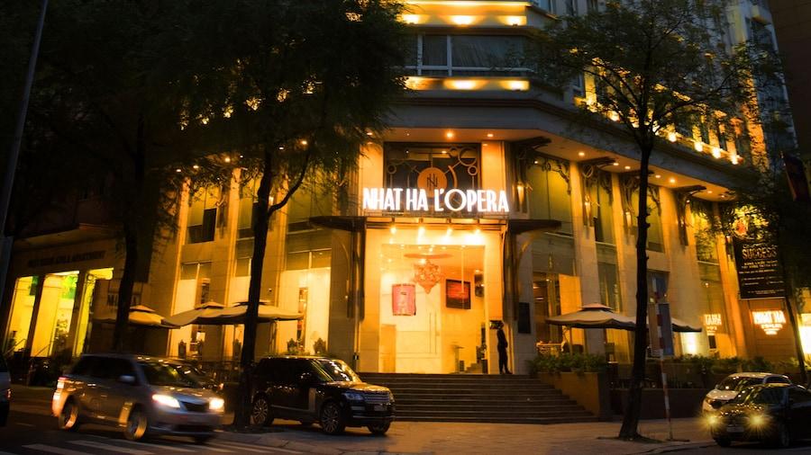 奈哈歌劇院酒店