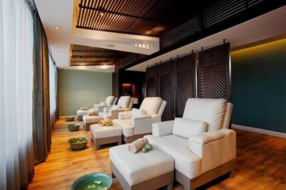 Massage, The Quarter Hualamphong by UHG
