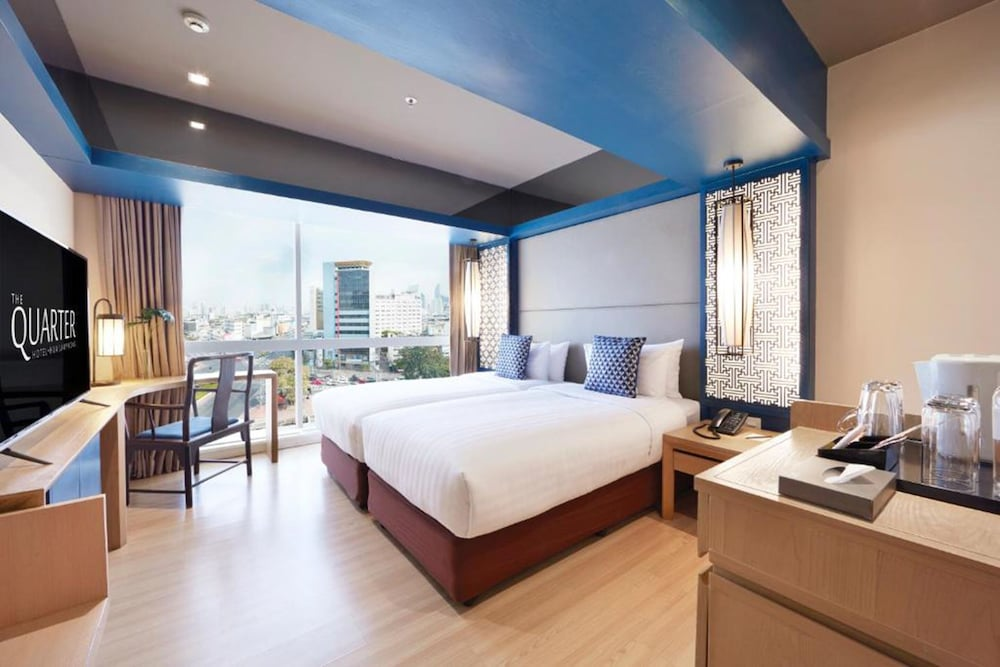 Room, The Quarter Hualamphong by UHG