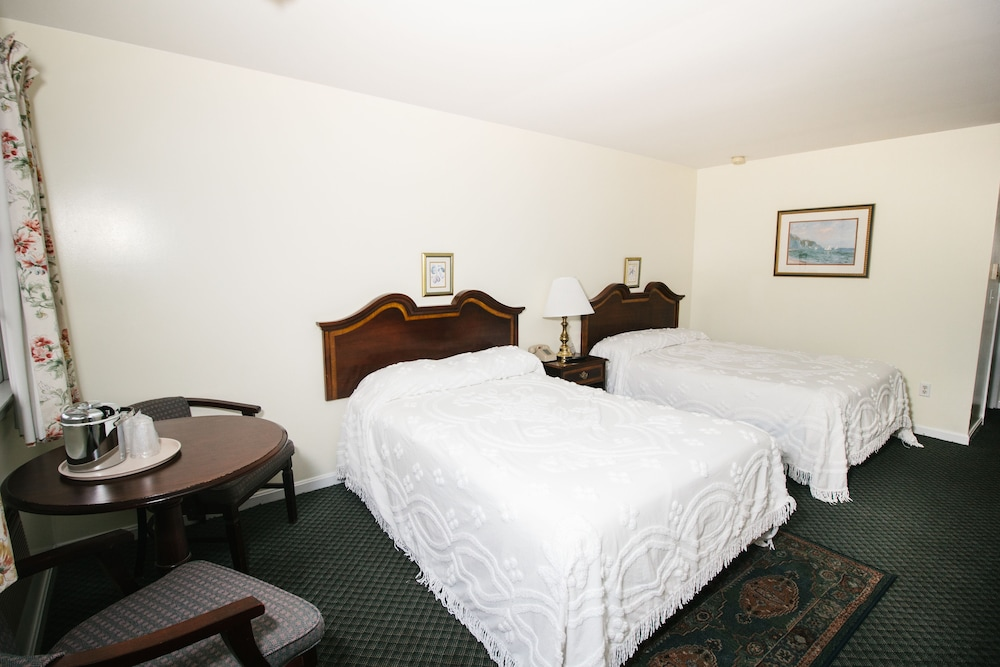 Room, The Taber Inne & Suites