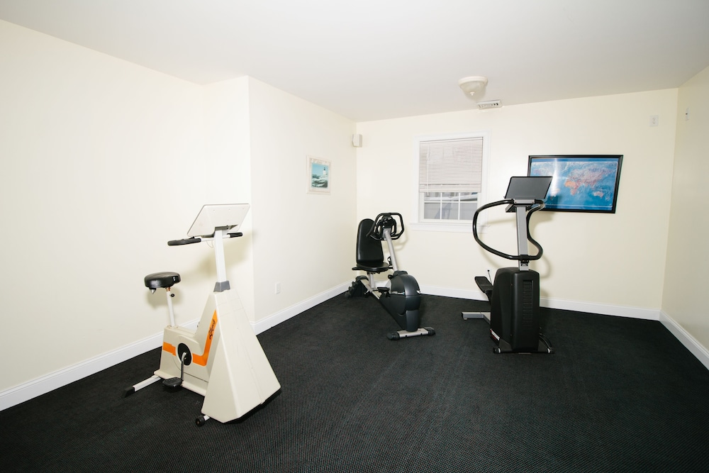 Gym, The Taber Inne & Suites