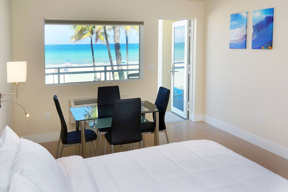 In-Room Dining, The Diane Oceanfront Suites