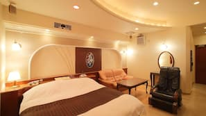 Premium bedding, down comforters, minibar, individually decorated