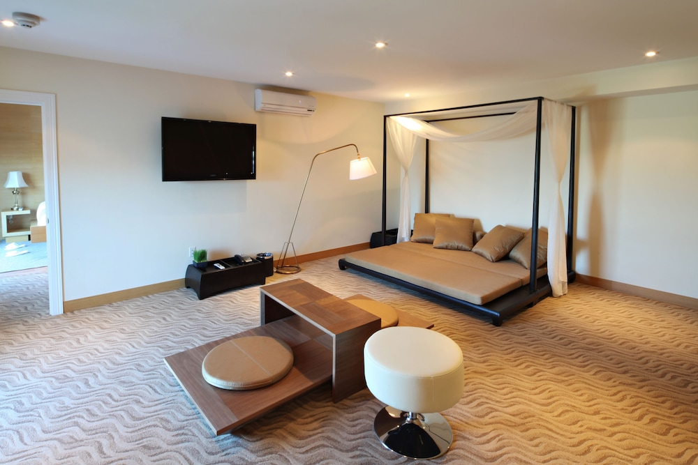 Living Room, The One Boutique Hotel