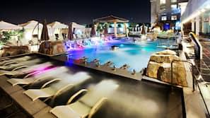 4 indoor pools, 2 outdoor pools