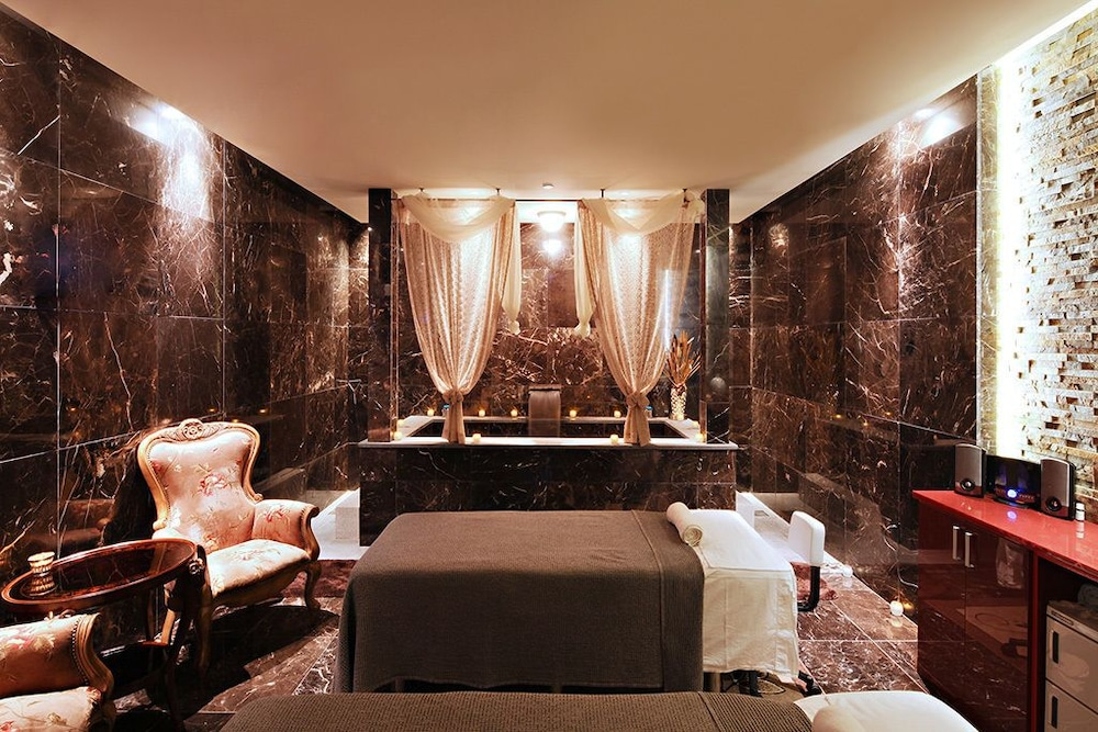 Treatment Room, The One Boutique Hotel