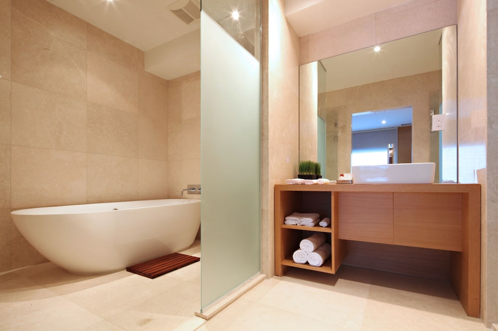 Bathroom, The One Boutique Hotel