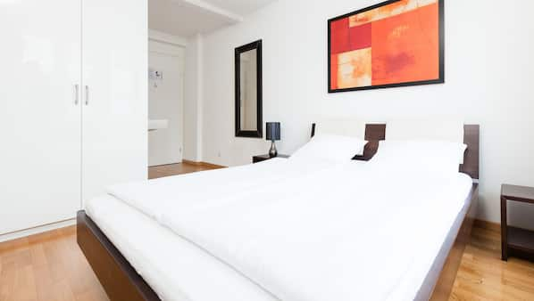 In-room safe, rollaway beds, free WiFi, alarm clocks