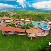 Hillary Nature Resort Spa