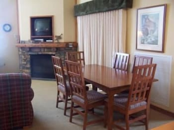 In-Room Dining, Highland House