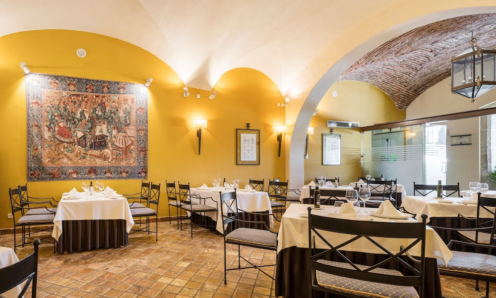 Restaurant, Hotel ILUNION Mérida Palace
