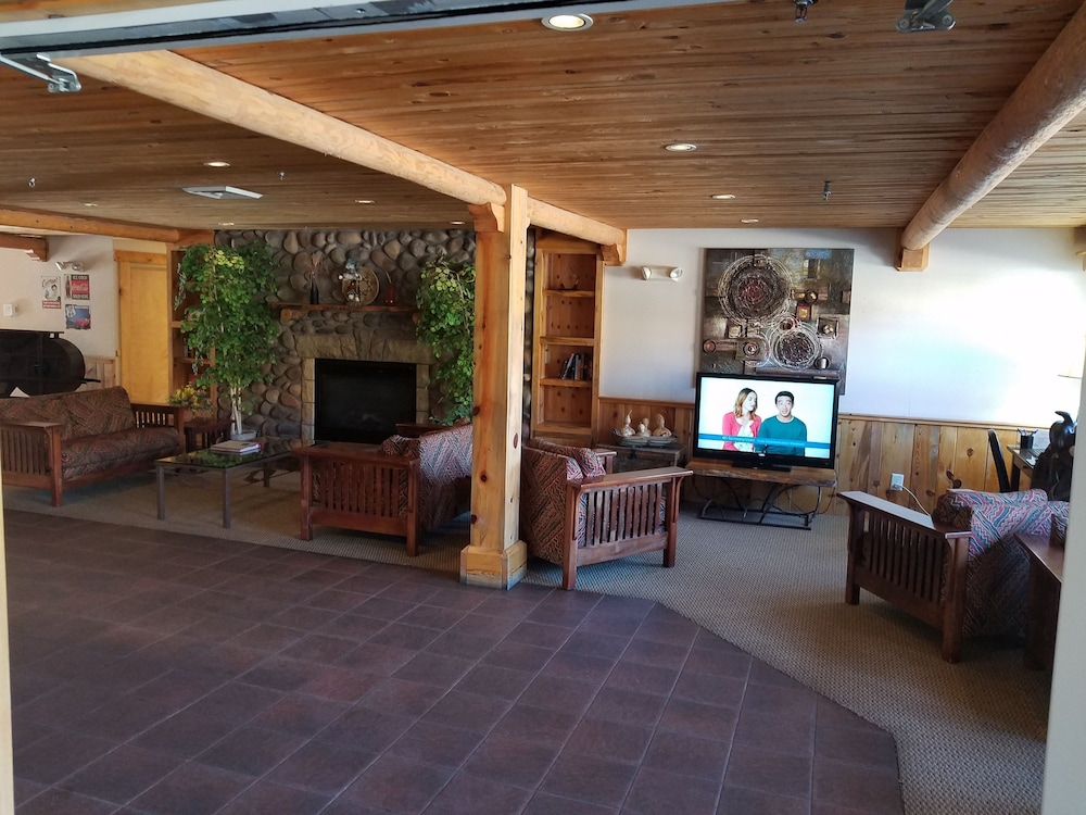 Interior Entrance, River Canyon Lodge