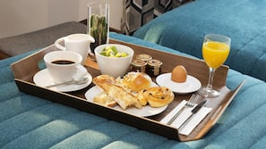 客房送餐服務 - 用餐