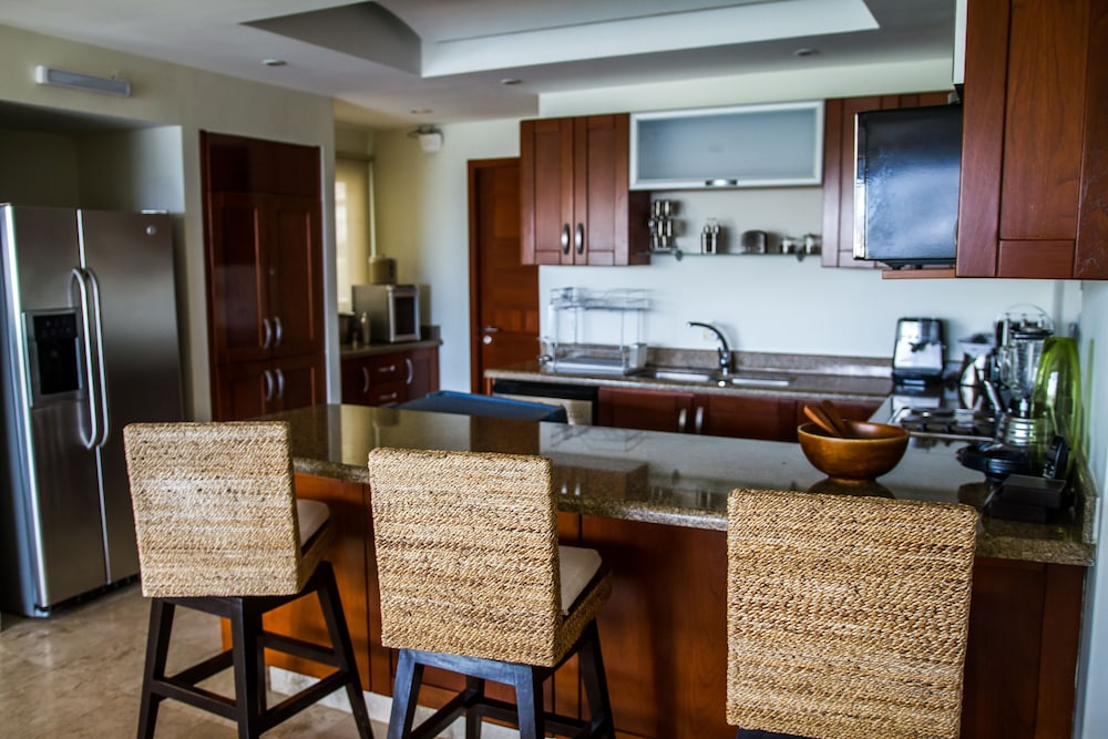 Private Kitchen, B Pichilingue Acapulco