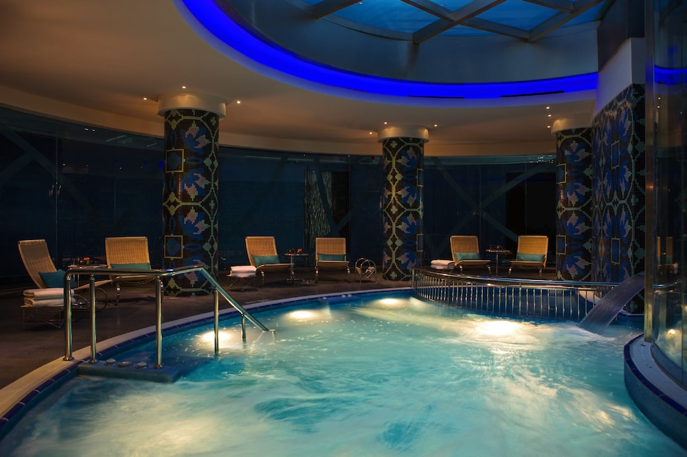 Indoor Pool, Renaissance Izmir Hotel