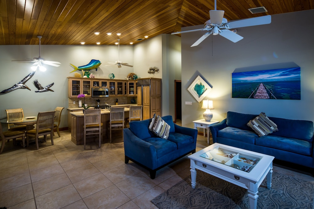 Living Area, The Caribbean Resort