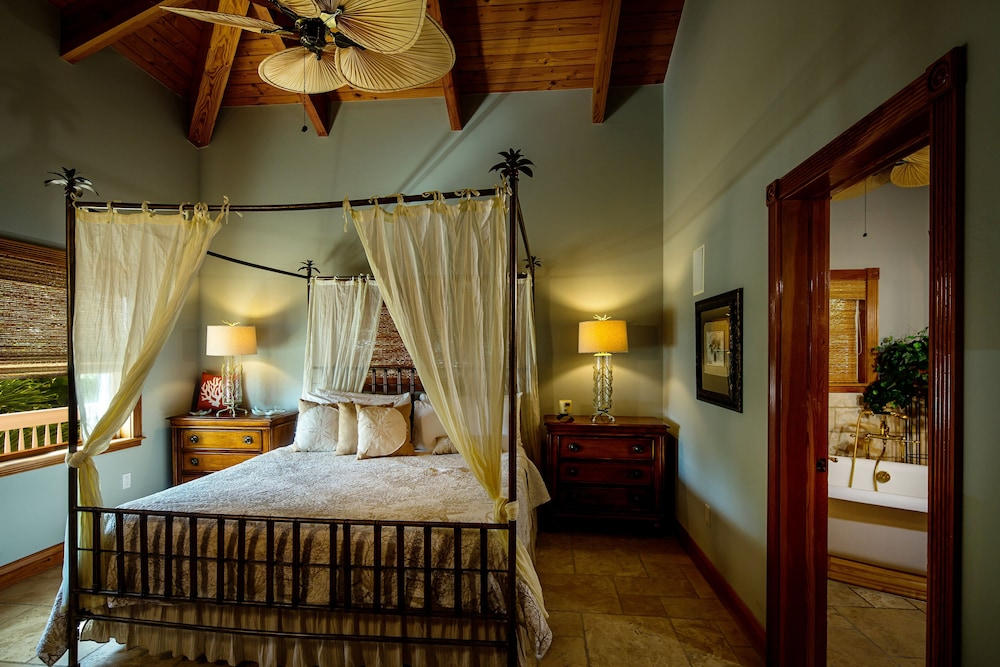 Room, The Caribbean Resort