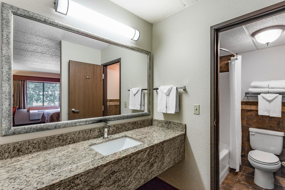 Bathroom, AmericInn by Wyndham Medora