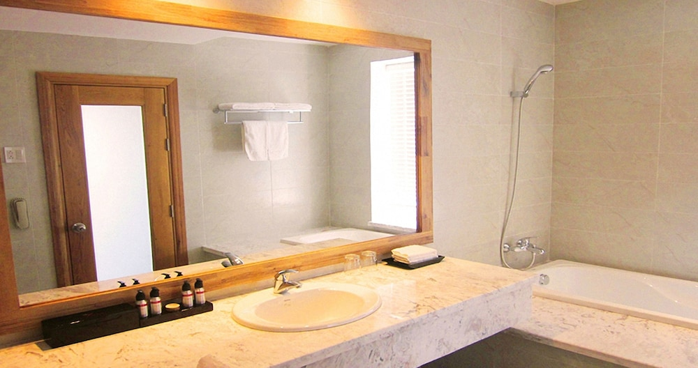 Bathroom Sink, Eden Resort Phu Quoc