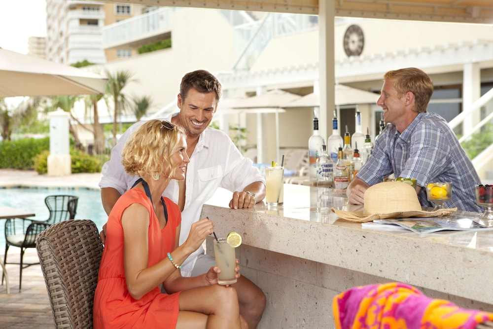 Poolside Bar, Fort Lauderdale Marriott Pompano Beach Resort and Spa