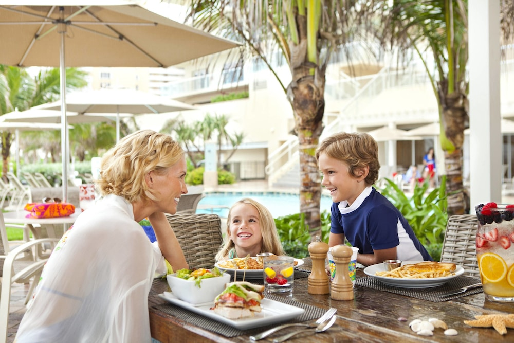 Outdoor Dining, Fort Lauderdale Marriott Pompano Beach Resort and Spa