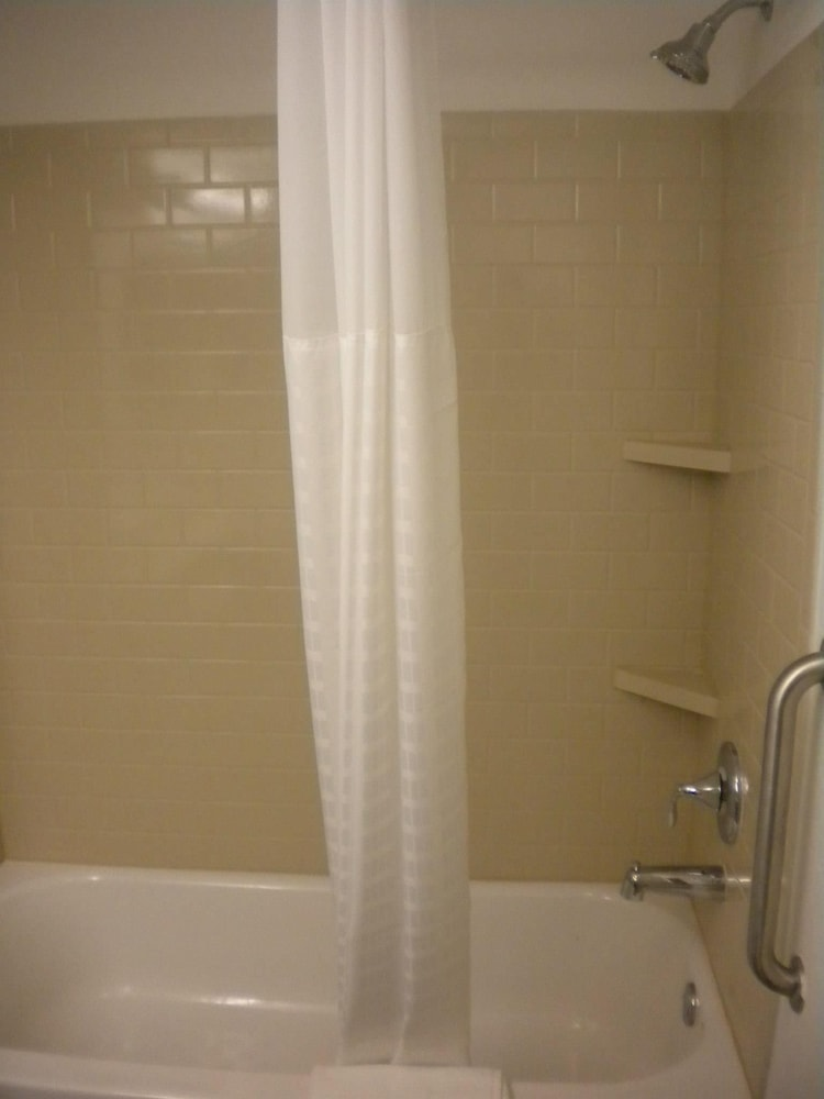 Bathroom Shower, Candlewood Suites Atlanta West I-20, an IHG Hotel
