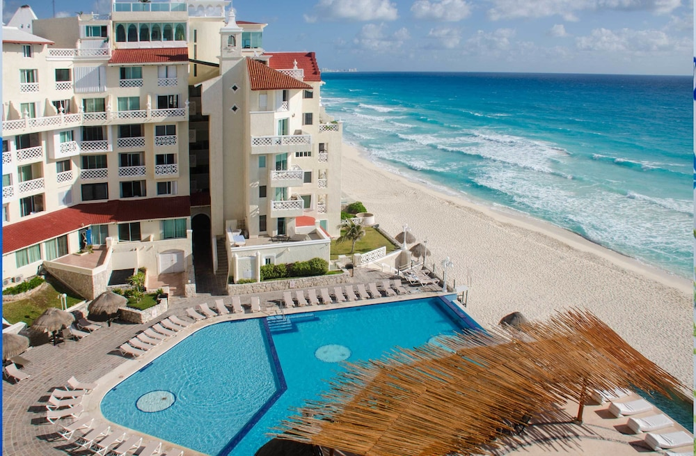 Bsea Cancún Plaza Hotel 3 0 Out Of 5 Street View Featured Image