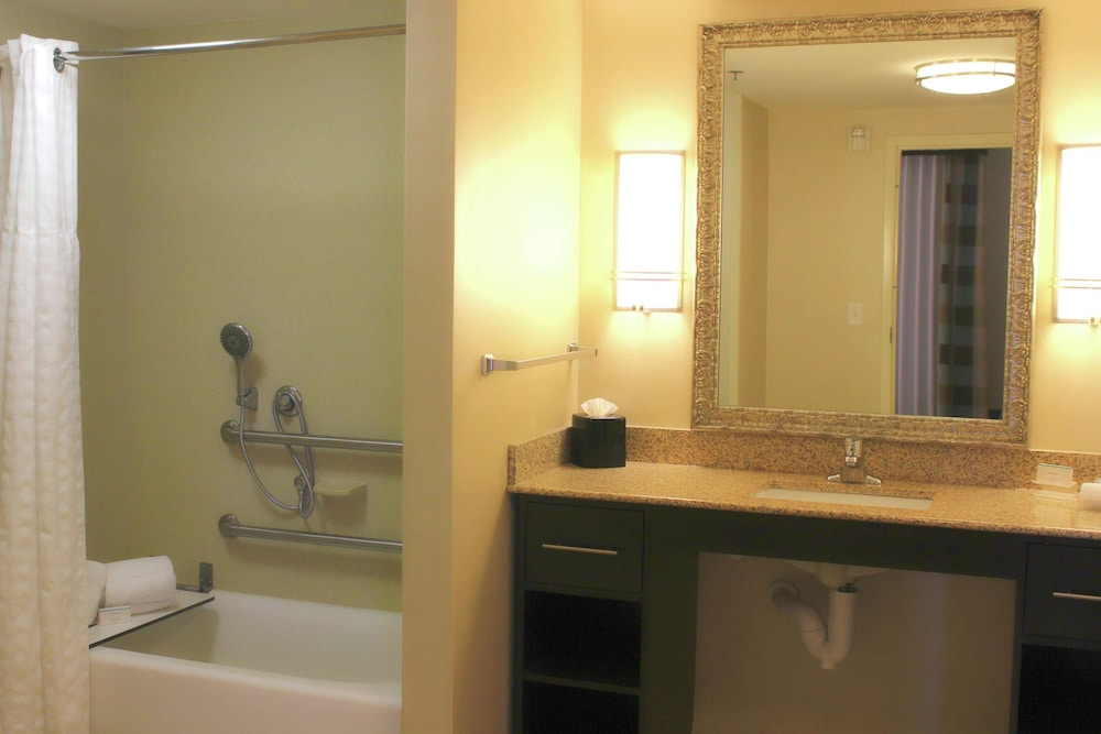 Bathroom, Homewood Suites Victoria, TX