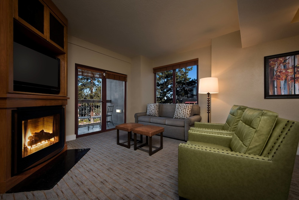 Living Room, Grand Residences by Marriott, Tahoe - 1 to 3 bedrooms & Pent