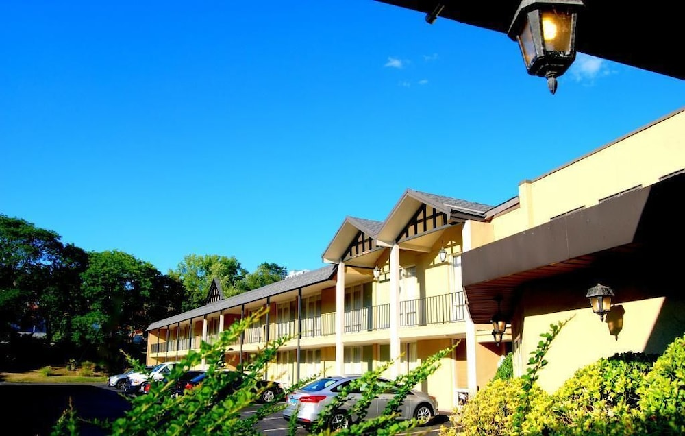 West Gate Inn Nyack In Nyack Hotel Rates Amp Reviews On Orbitz