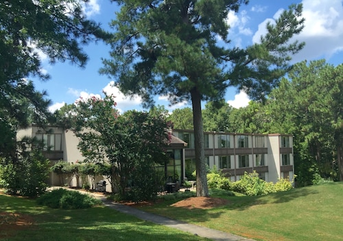 Check Expedia for Availability of The Inn at Houndslake