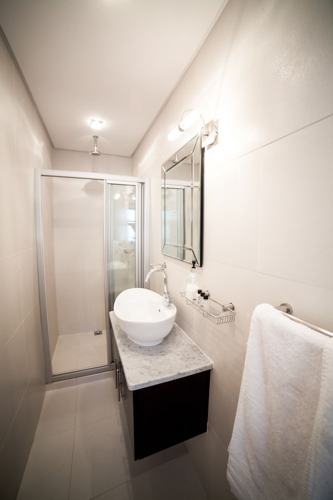 Bathroom, The Ivy Apartments