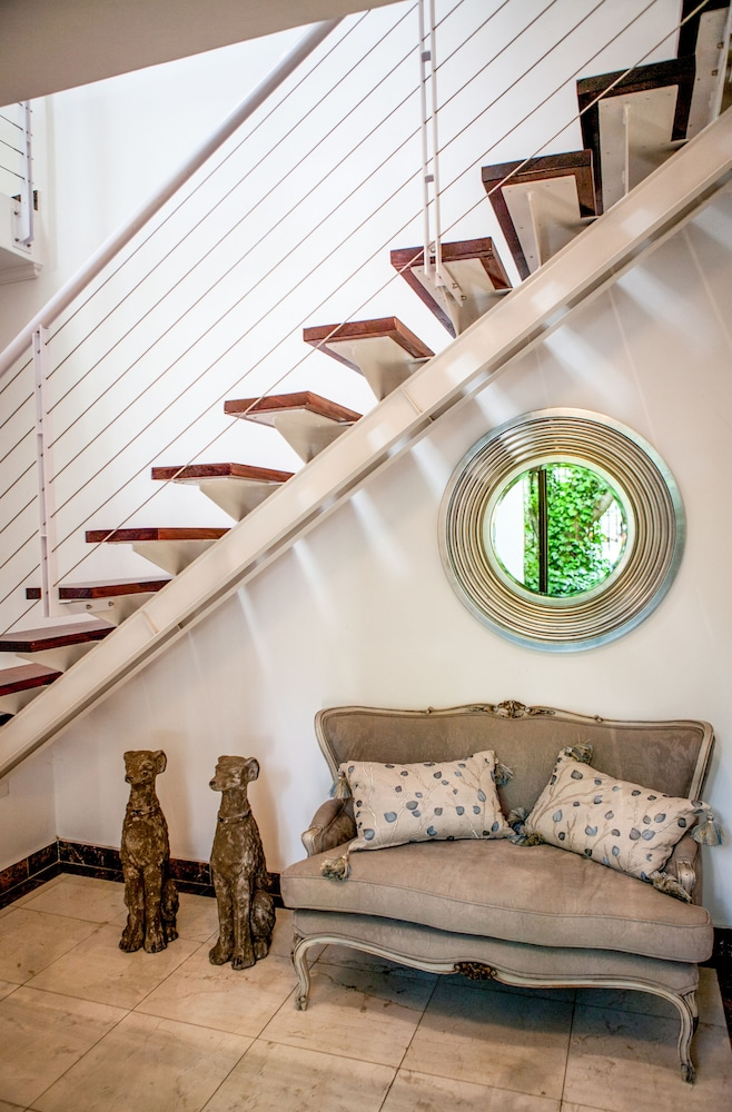 Staircase, The Ivy Apartments