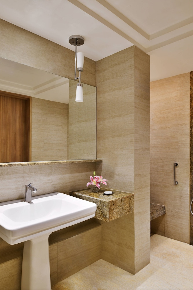 Bathroom, Bengaluru Marriott Hotel Whitefield