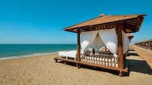 Private beach nearby, free beach shuttle, beach cabanas, sun-loungers