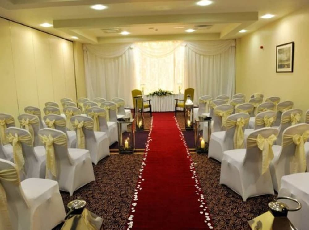 Indoor Wedding, Mullingar Park Hotel