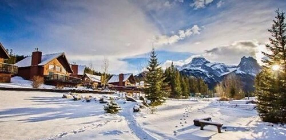 Snow and Ski Sports, Banff Gate Mountain Resort