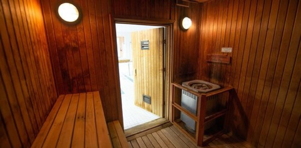 Sauna, Banff Gate Mountain Resort
