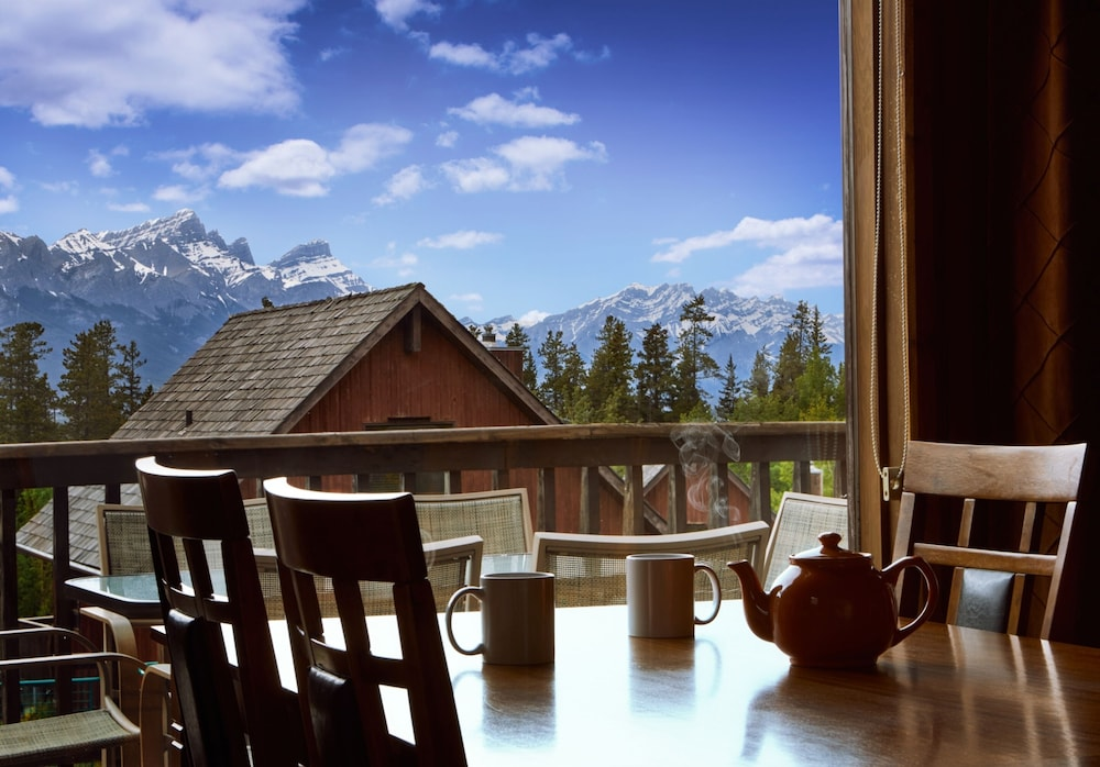 Balcony, Banff Gate Mountain Resort