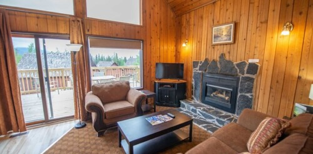 Living Room, Banff Gate Mountain Resort