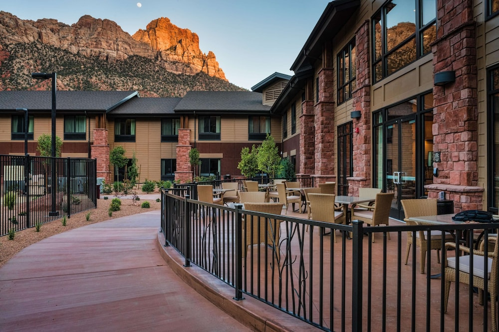 Exterior, Hampton Inn & Suites Springdale/Zion National Park