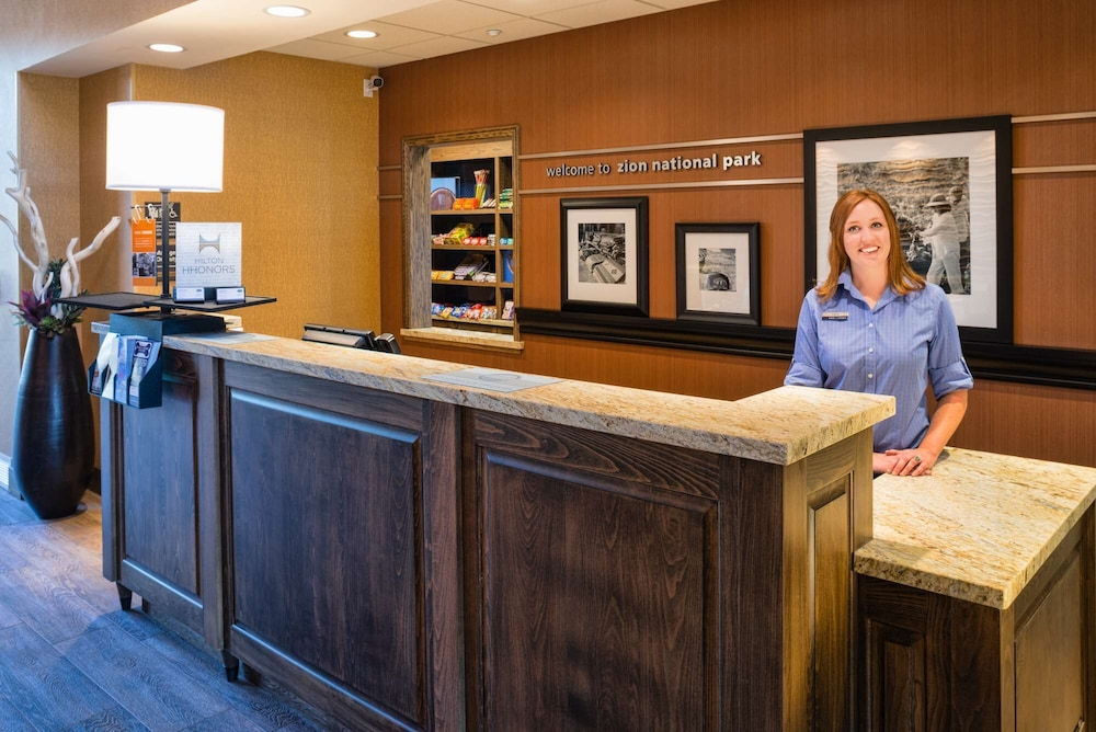 Reception, Hampton Inn & Suites Springdale/Zion National Park