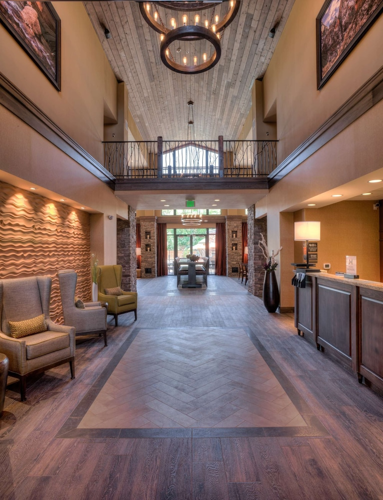 Lobby, Hampton Inn & Suites Springdale/Zion National Park